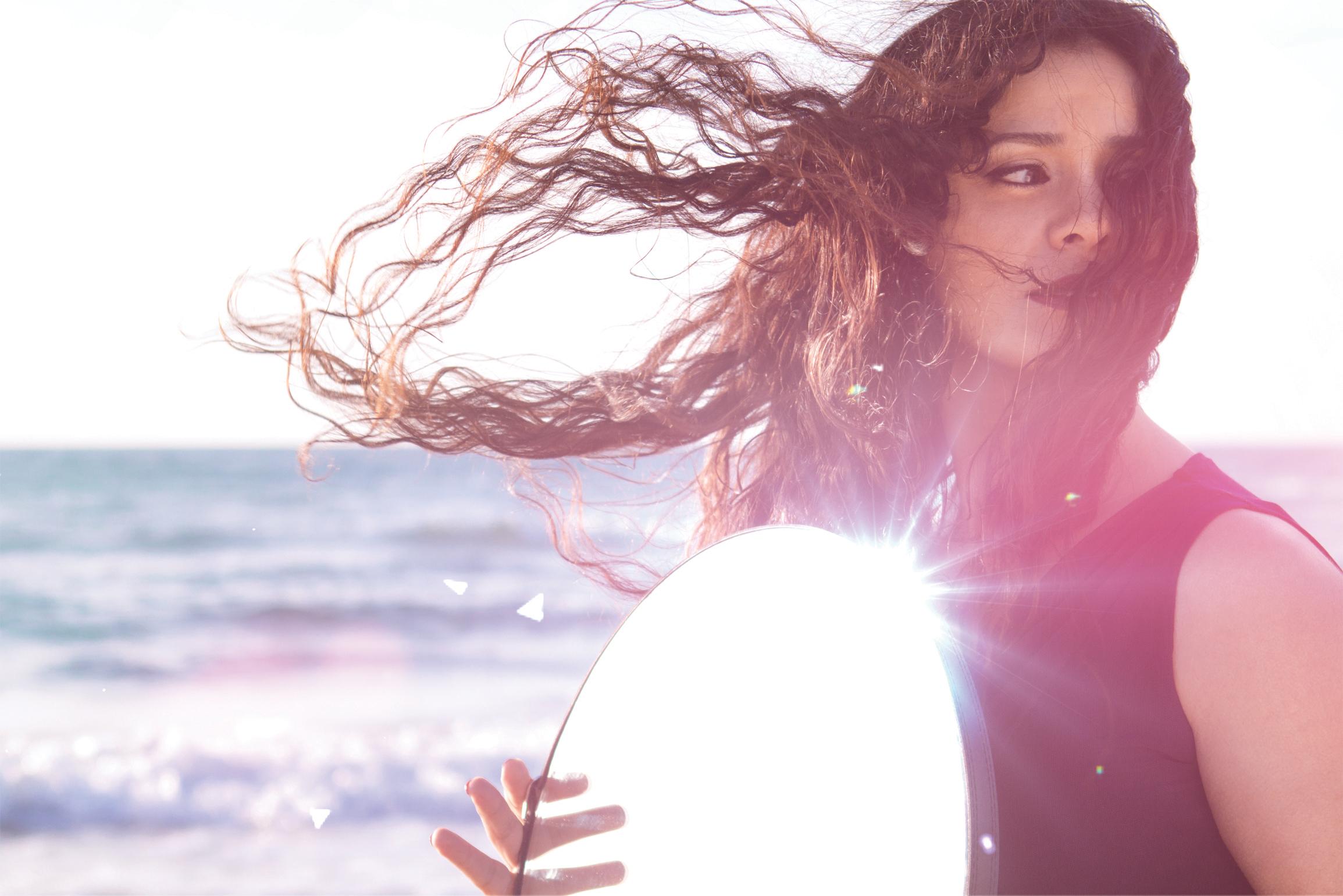 """מיטל טרבלסי במופע המבוסס על אלבומה האחרון """"כמו עוף החול"""""""
