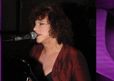 """תלמה אליגון-רוז במופע השקת האלבום """"ציפור סגולה"""""""