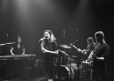 אפרת קולברג – מופע להקה חשמלי עם האלבום החדש