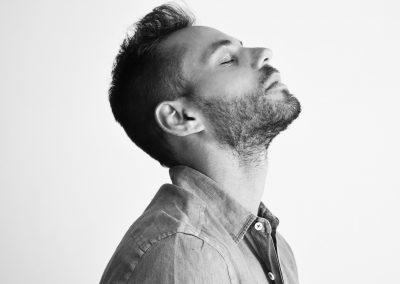תום אקו – מופע השקה הסינגל הראשון ״לא אשכח״