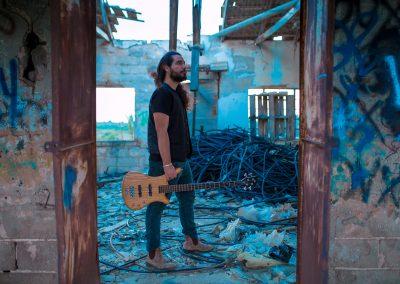 """Eliko Bass – ""Bass Around The World"