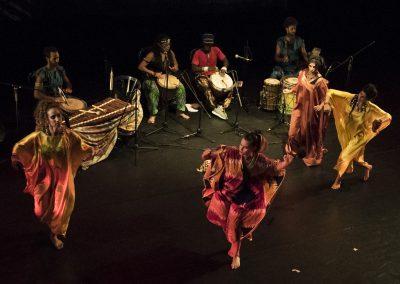 כישוף אפריקאי  בביצוע להקת בנגורה