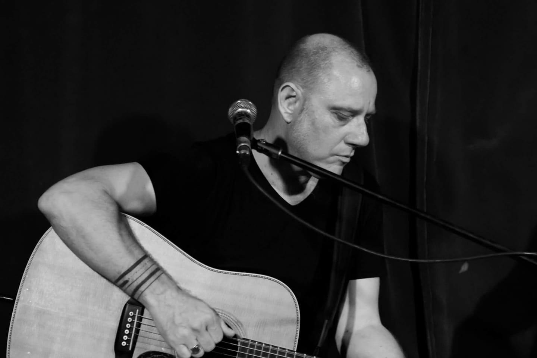 דני גלבוע חוזר להופעה חד פעמית עם חומר מקורי