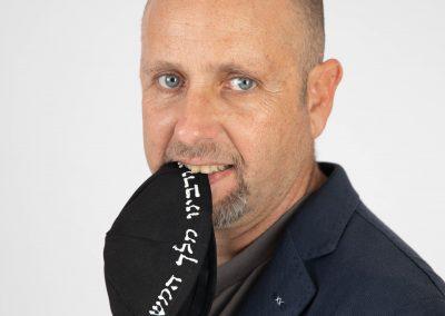'חסידות קופטש' בית הכנסת הנודד רוקד ומנגן