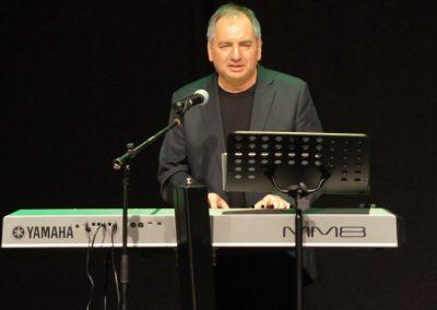 אריאל טורו במופע 'סיפור חיי'