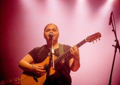 מיקה גן מור בהופעה